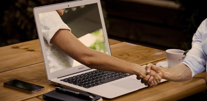 ¿Cómo instalar una plataforma de chat online en tu web?